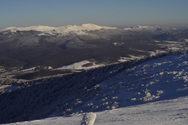 Tarnica i dolina Wołosatego z Małej Rawki