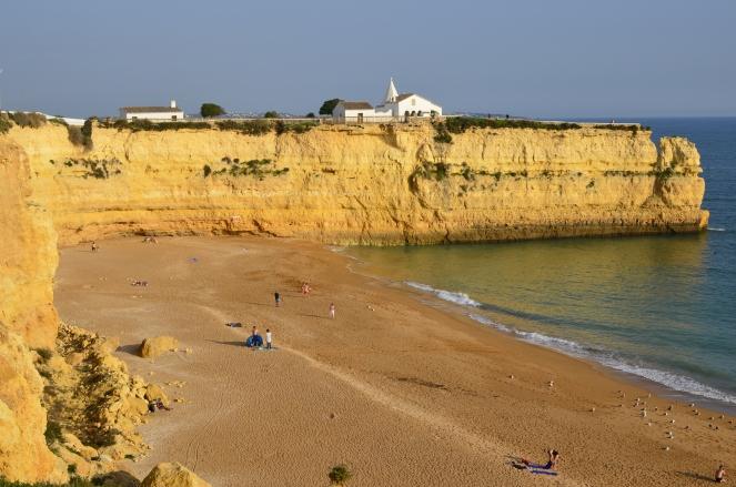 W listopadzie plaże są puste - mimo letniej pogody
