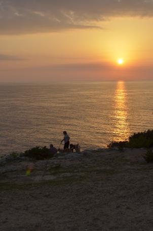 Wypas kóz na klifach o zachodzie słońca :p