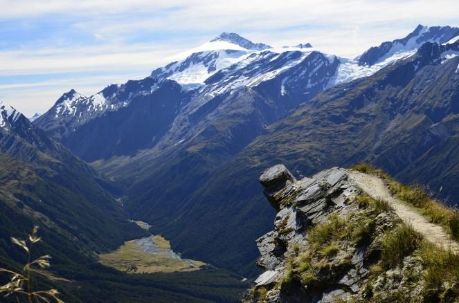 Niewidzialny most prosto na szczyt Mount Aspiring