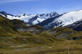 Schodząc na przełęcz, widoki w pełni zasłużone po 5 godzinach stromego podejścia