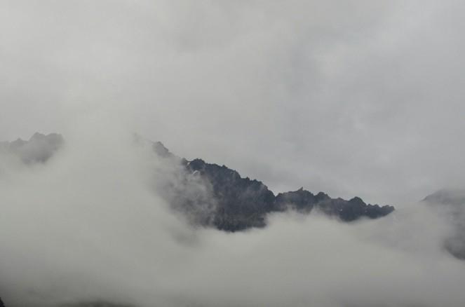 Gdzie góry chmurom dłoń podają